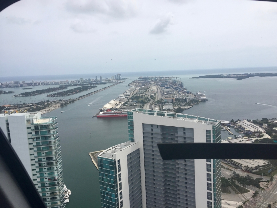miami-worldcenter-broke-ground-today-celebrated-helicopter-rides-over-miami_24